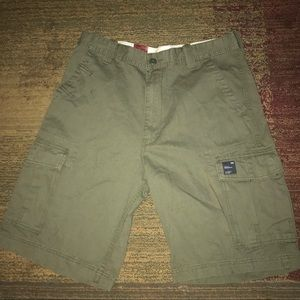 New Levi's Workwear green cargo shorts size 34 men
